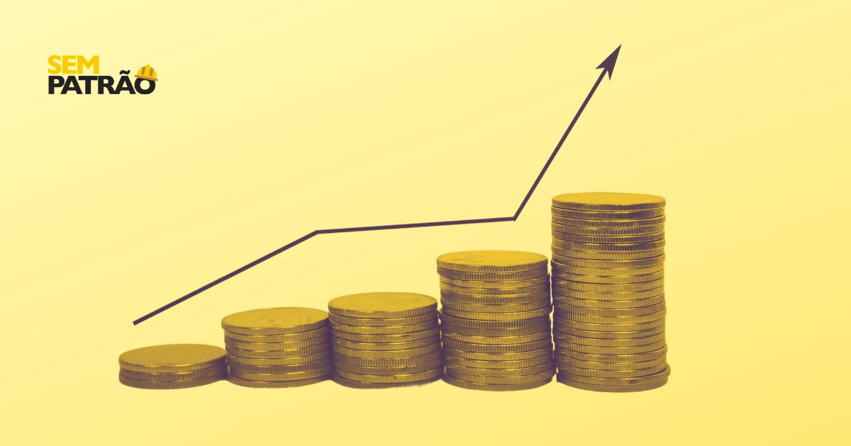 Gráfico de crescimento ao lado de moedas, relacionado a ganhar mais dinheiro